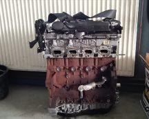 Peugeot 4007 Motorblokk hengerfejjel